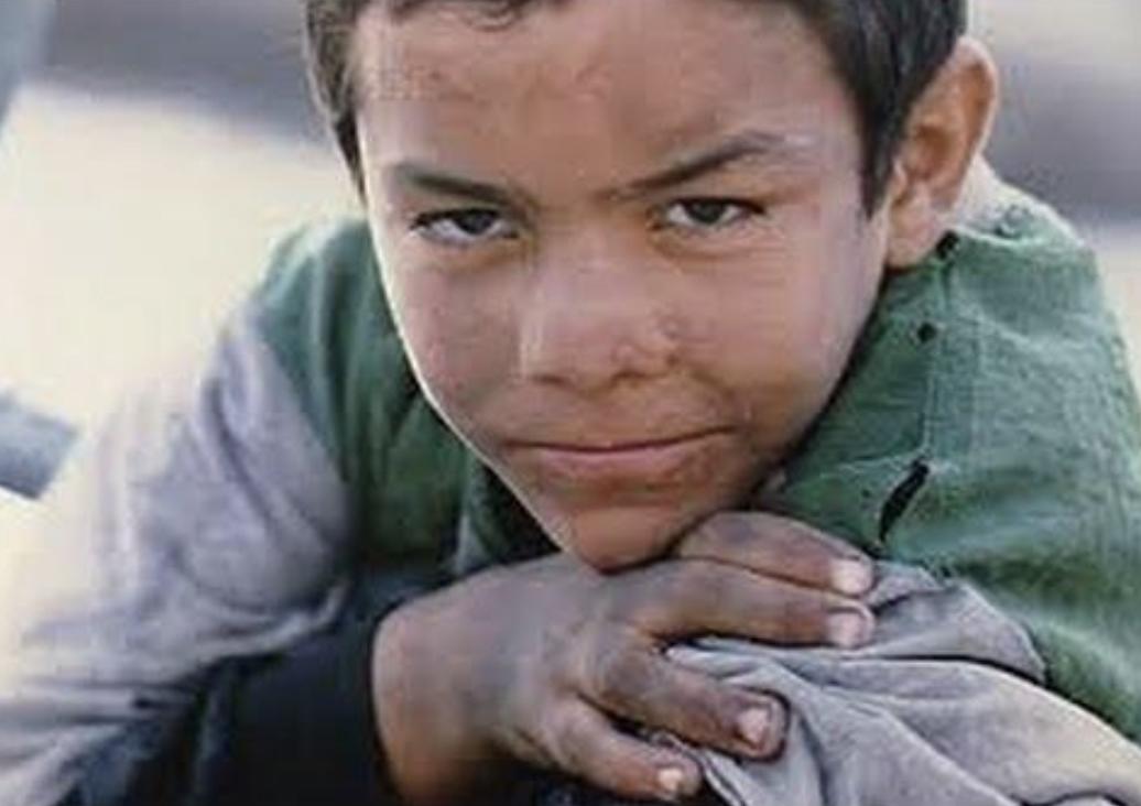 """معاناة أطفال الشوارع  في """"علي زوا"""""""